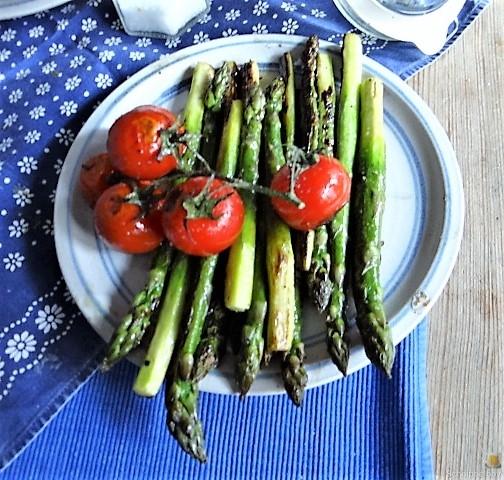 Bandnudeln,grüner Spargel, Tomaten und Bärlauchpesto (10)