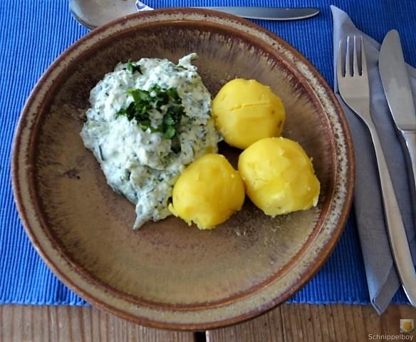 Quark mit Pesto und Pellkartoffeln und Pesto (10)