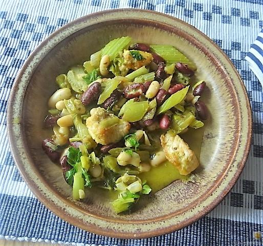 Bohnen-Bleichsellerie Pfanne und Putenschnitzel (1)