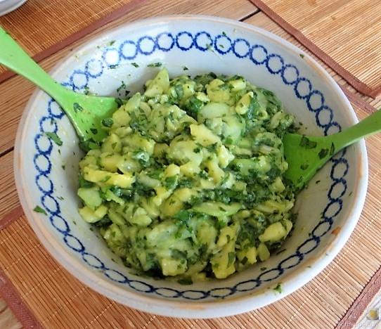 Kartoffel-Bärlauch-Gurkensalat, Kräuterseitlinge (15)
