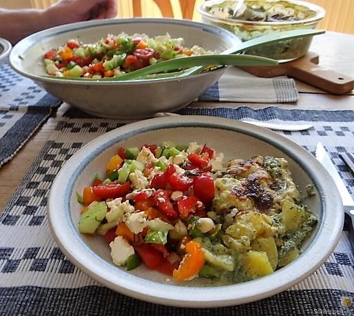 KartoffelBrennessel Gratin, Gemischter Salat (24)