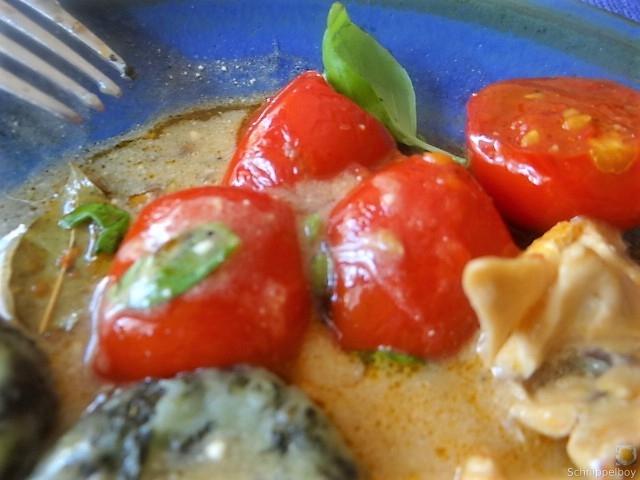 Wildkräuter Gnocchis, Poulardenbrust, Geschmorte Tomaten (28)