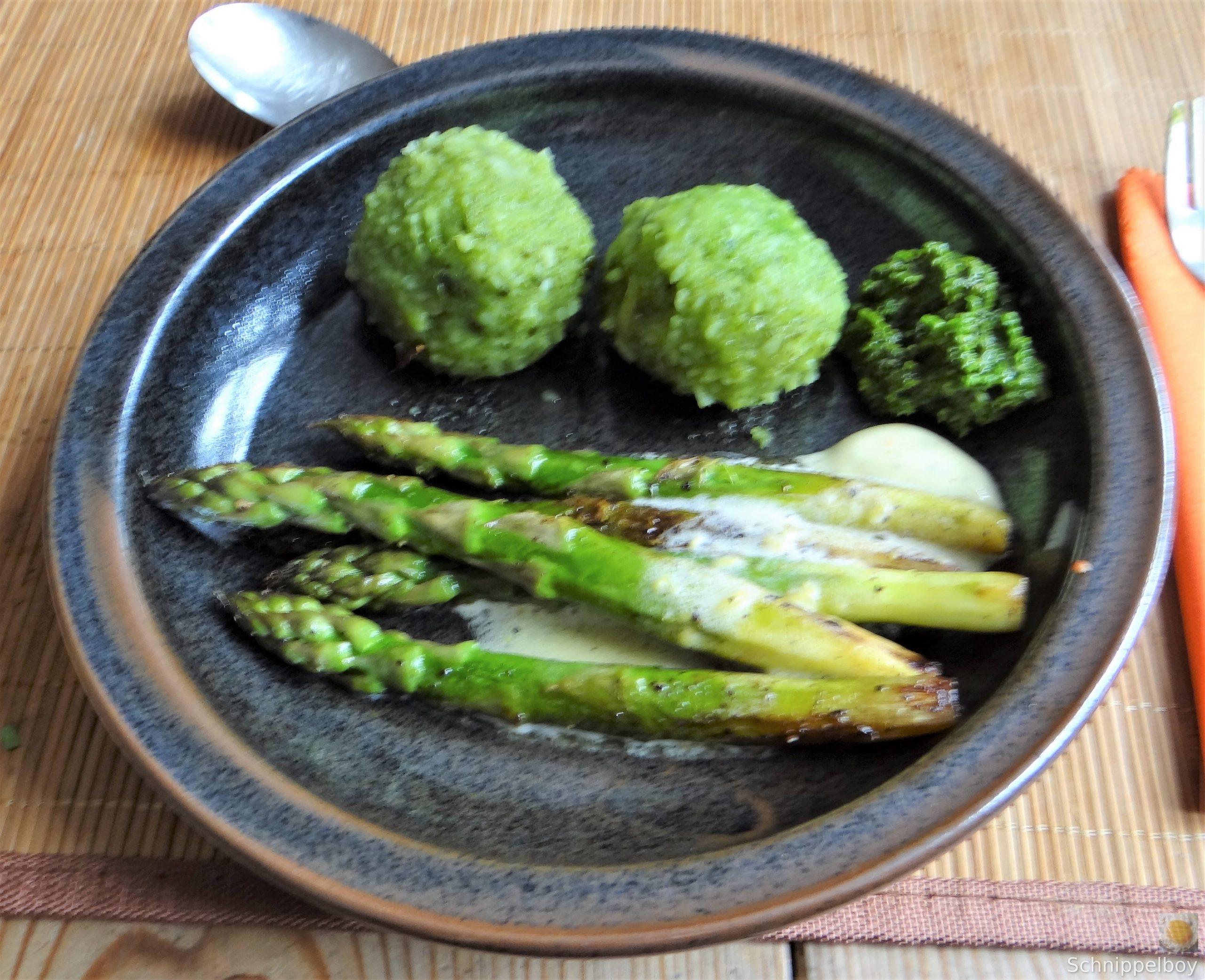 Grüne Klöße, Grüner Spargel, Zitronensauce (22)