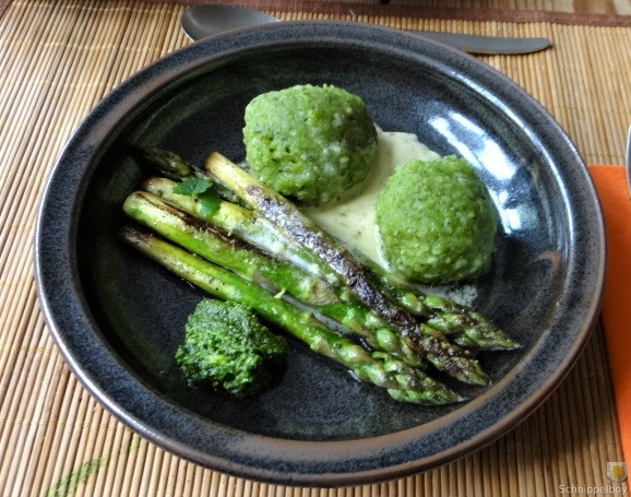 Grüne Klöße, Grüner Spargel, Zitronensauce (3)