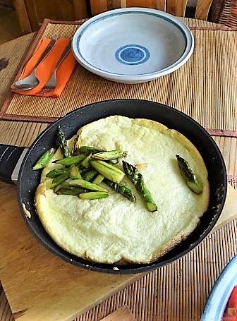 Omlette,Spargel, Salat (6)