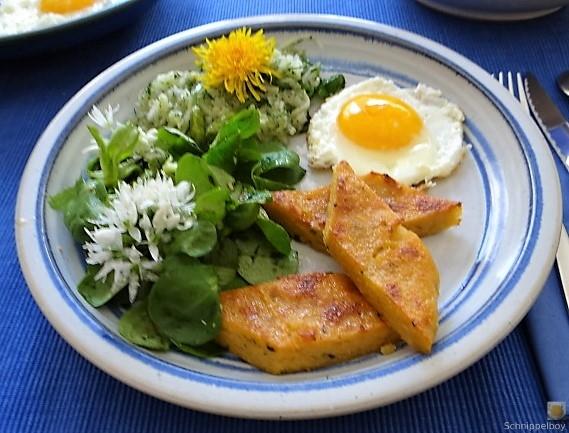 Polenta, Salate und Spiegelei (25)