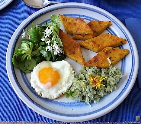 Polenta, Salate und Spiegelei (3)