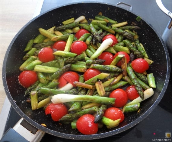 Spirelli,Spargel und Tomaten (21)