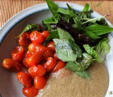 Amaranth, Wildkräutersalat und Tomaten (2)