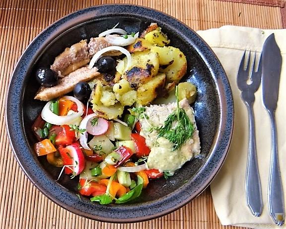 Bratkartoffeln, Bunter Salat und Sardinen (3)