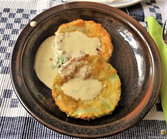 Frittierte-Zucchini-mit-Gorgonzolasauce-24b
