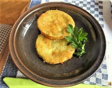 Frittierte-Zucchini-mit-Gorgonzolasauce-25