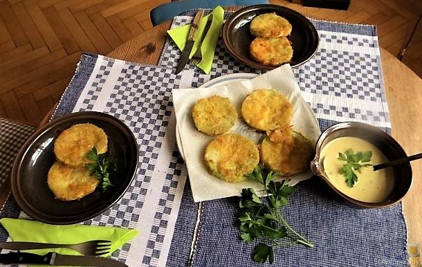 Frittierte-Zucchini-mit-Gorgonzolasauce-4