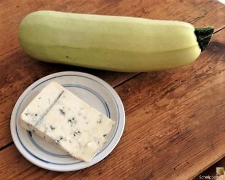 Frittierte-Zucchini-mit-Gorgonzolasauce-7