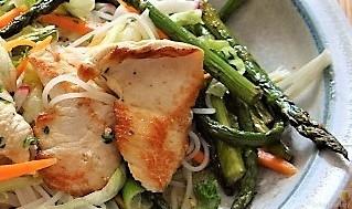 Glasnudeln, Gemüse und Putenfleisch (30)