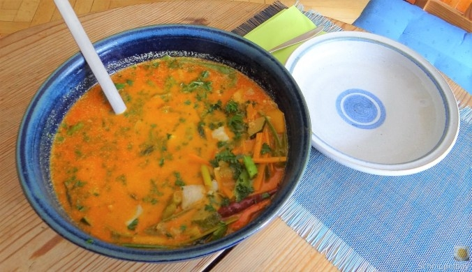 Kokossuppe-mit-FischErdbeeren-3