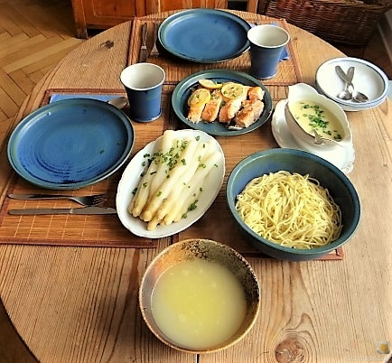 Spargel, Selbstgemachte Spaghetti, Lachsforelle (10)