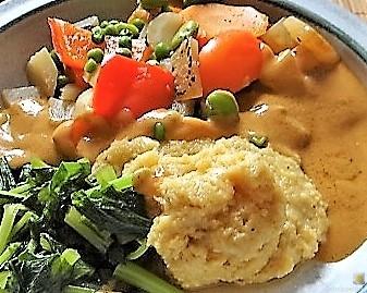 Gedämpftes Gemüse, Ernußsauce und Polenta, (29)