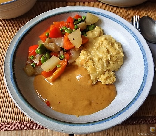 Gedämpftes Gemüse, Ernußsauce und Polenta, (3)