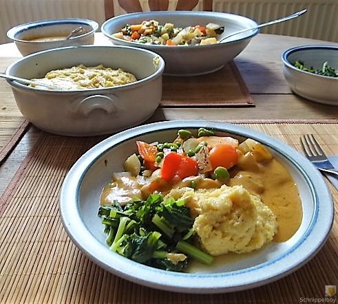 Gedämpftes Gemüse, Ernußsauce und Polenta, (5)