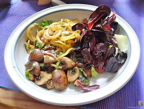 Kartoffel Zoodles und Shiitake-Champignon Pfanne (1)