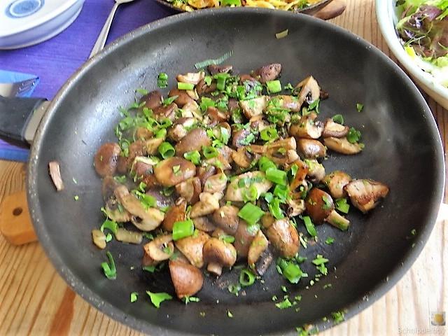 Kartoffel Zoodles und Shiitake-Champignon Pfanne (20)
