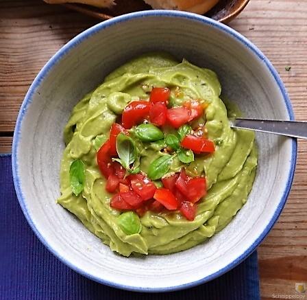 Kichererbsensalat mit Guacamole (21)