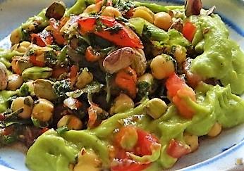 Kichererbsensalat mit Guacamole (28)