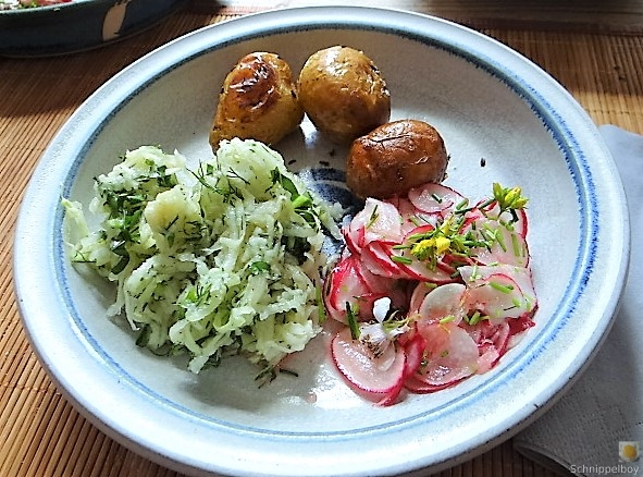 Ofenkartoffel mit Kohlrabi und Radieschensalat (1)