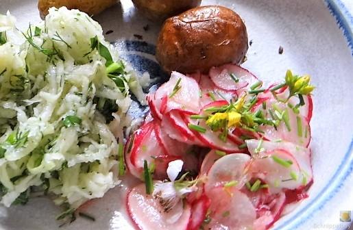 Ofenkartoffel mit Kohlrabi und Radieschensalat (2)