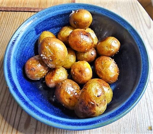 Ofenkartoffel mit Kohlrabi und Radieschensalat (23)