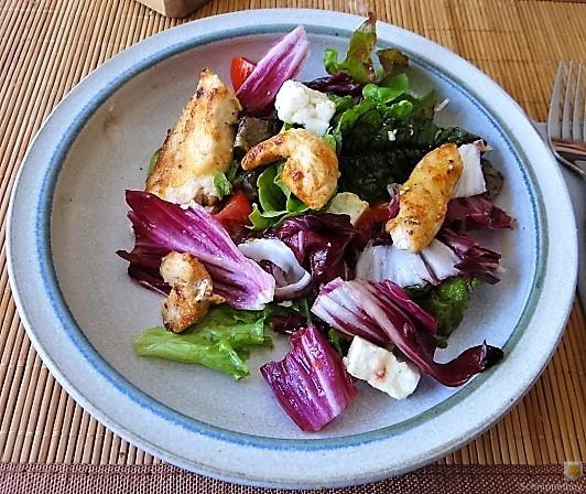 Pflücksaltat und Radicchio mit Hühnerbrustfilet (5)