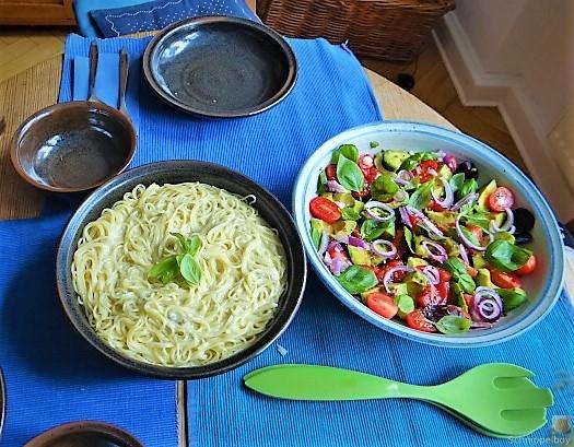 Spaghetti mit Gorgonzolasauce und Bunter Salat (16)