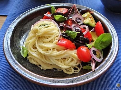 Spaghetti mit Gorgonzolasauce und Bunter Salat (17)