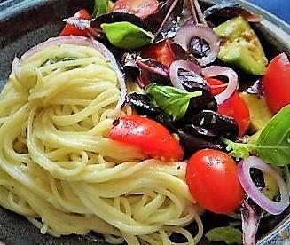 Spaghetti mit Gorgonzolasauce und Bunter Salat (18)