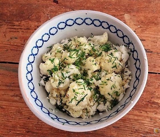 Zucchiniküchlein und Blumenkohlsalat (12)