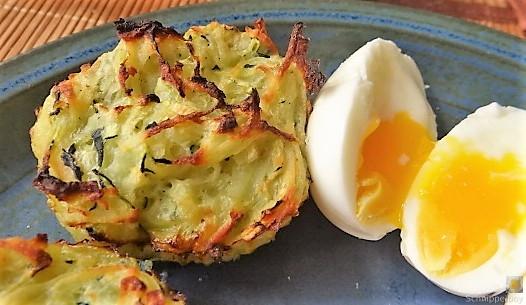 Zucchiniküchlein und Blumenkohlsalat (2)