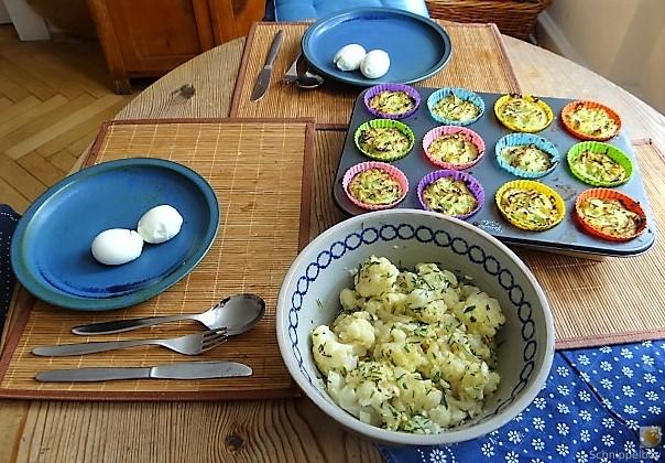 Zucchiniküchlein und Blumenkohlsalat (6)