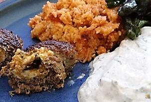 Bifteki mit Pimientos und Reis (3)