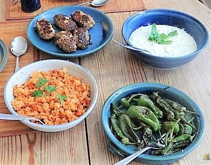 Bifteki mit Pimientos und Reis (4)