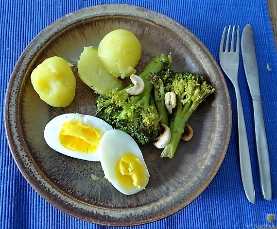 Brokkoli mit Chilli und Cashewkernen (3)