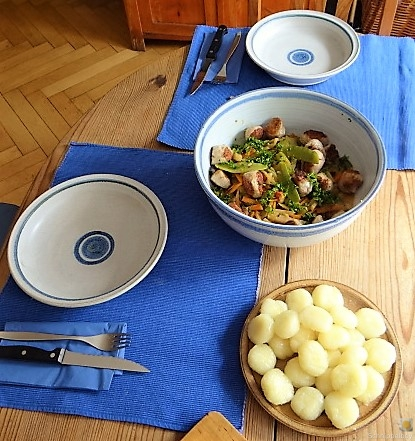 Frisches Sommergemüse mit Hackbällchen und Gnocchis (7)