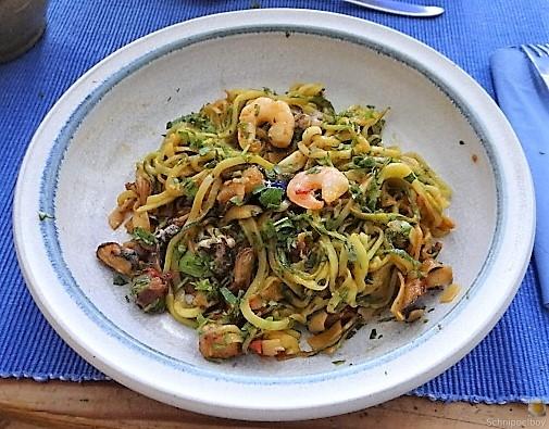Zucchini Zoodles, Gemüse und Meeresfrüchte (20)